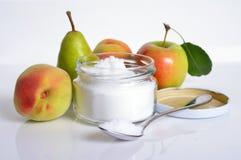 Fructose eller fruktsocker Med frukt royaltyfri foto