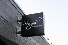 Frugal Home Finds, Memphis. Frugal Home Finds is a retailer of fine home furnishings, such as sofa`s, love seat, chairs, home décor and other home accessories stock images
