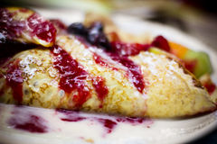Fruit Berry Crepe Stock Afbeeldingen