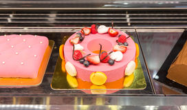 Fruit cake with fresh fruits Royalty Free Stock Photos