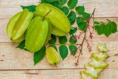 Fruit d'étoile sur le fond en bois Image stock