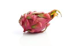 Fruit de dragon d'isolement à l'arrière-plan blanc Photographie stock libre de droits
