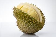 Fruit de Durain sur le fond blanc Photographie stock libre de droits