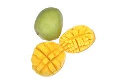 Fruit de mangue mûr sur le blanc photos stock