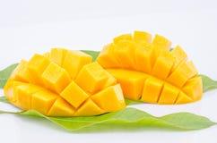 Fruit de mangue sur le fond blanc Photo stock