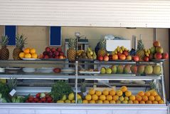 Fruit on display in a snack bar or counter Royalty Free Stock Photos