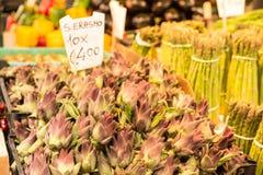 Fruit en groentenbox bij de markt van Venetië, Italië Royalty-vrije Stock Afbeelding