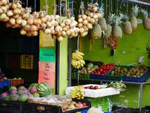 Fruit en plantaardige box in Costa Rica royalty-vrije stock foto