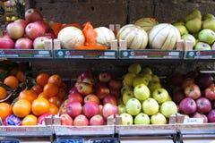 Fruit en plantaardige winkelteller Stock Afbeelding