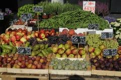 FRUIT EN VEGE VANDOR Stock Foto
