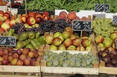 FRUIT EN VEGE VANDOR Stock Fotografie
