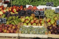 FRUIT EN VEGE VANDOR Royalty-vrije Stock Foto