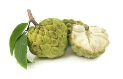 Fruit frais de corossols sur le blanc Photographie stock libre de droits