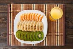 Fruit frais et jus Photo stock