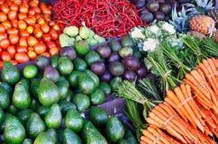 Fruit frais sur le marché traditionnel photographie stock libre de droits