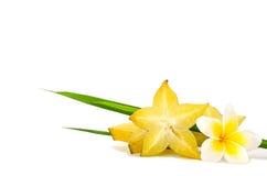 Fruit jaune de carambolier d'isolement sur le fond blanc Photographie stock libre de droits