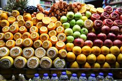 Fruit Juice Shop in Beyoglu Ä°stanbul stock afbeelding
