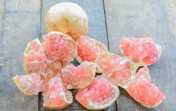 Fruit juteux de grenade Image libre de droits