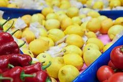 Fruit, légumes sur le marché image stock