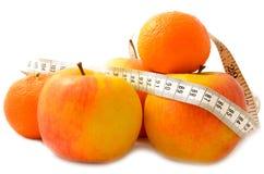 Fruit mûr avec un régime de mesure de bande Image libre de droits