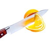 Fruit par le couteau. images stock