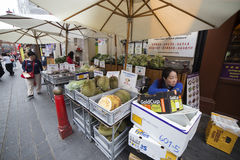 Fruit peddler in Chinatown, London Royalty Free Stock Photography