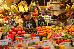 Fruit seller at market,Barcelona Royalty Free Stock Photos