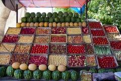 Fruit sur la stalle Photographie stock