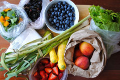 Fruit and vegetable shopping Royalty Free Stock Images