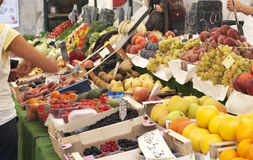 Fruit and vegetable stall Royalty Free Stock Photos
