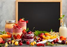 Fruitbes smoothie royalty-vrije stock afbeelding