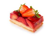 Fruitcake και φράουλα που απομονώνονται Στοκ Εικόνες