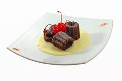 Fruitcake com uma cereja Fotografia de Stock Royalty Free