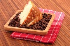 Fruitcake en koffie royalty-vrije stock foto