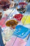 Fruitgelei in glaskommen Royalty-vrije Stock Afbeelding