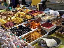 Fruitmarkt in het Zuiden van Frankrijk royalty-vrije stock afbeeldingen
