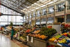 Fruitmarkt in Lissabon stock afbeeldingen