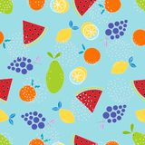 Fruitpatroon op blauw Stock Afbeeldingen