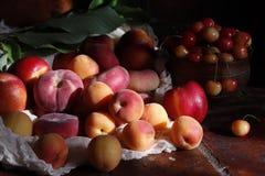Fruits à noyau, abricots, pêches et nectarines Photos stock