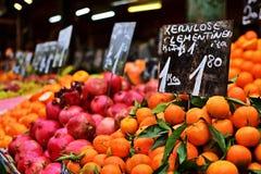 Fruits à vendre chez le Naschmarkt Photographie stock libre de droits