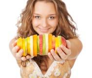 fruits счастливый детеныш женщины портрета удерживания Стоковое фото RF