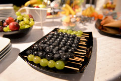 Fruits arrangement on restaurant table Royalty Free Stock Photography