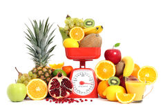 Fruits avec l'échelle Images stock