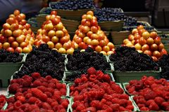 Fruits in Basket Royalty Free Stock Images