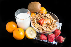 Fruits blancs de granola sur le noir Photo stock