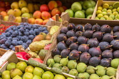 Fruits in boxes for sale Royalty Free Stock Image