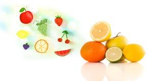 Fruits colorés avec les fruits illustrés tirés par la main Images libres de droits
