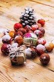 fruits couverts de neige des pommes naines Photo stock