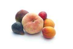Fruits d'été d'isolement sur le blanc Photos libres de droits