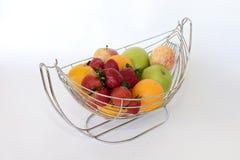Fruits dans le panier images libres de droits